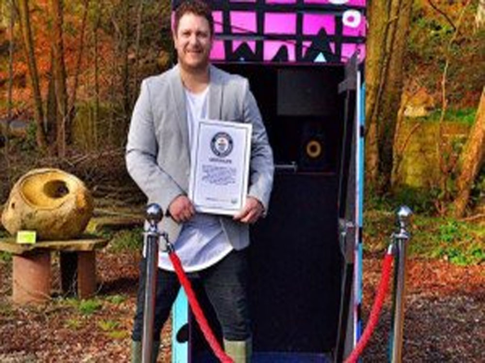 World's smallest mobile nightclub sets Guinness record