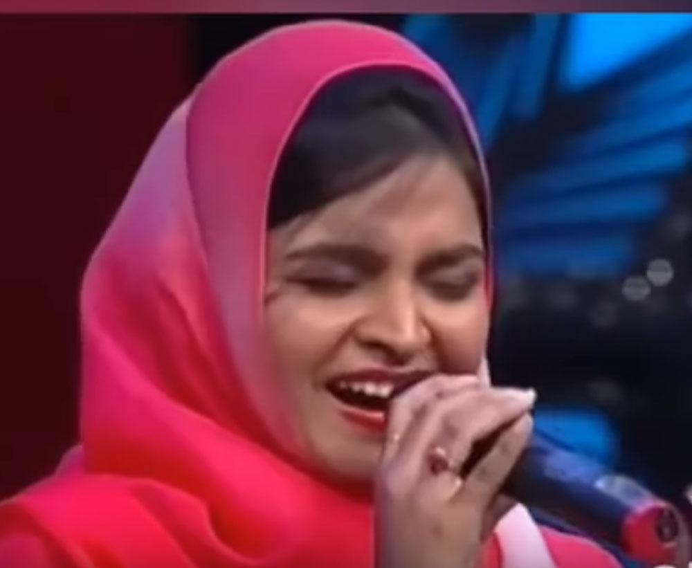 Muslim woman trolled for singing Hindu devotional song