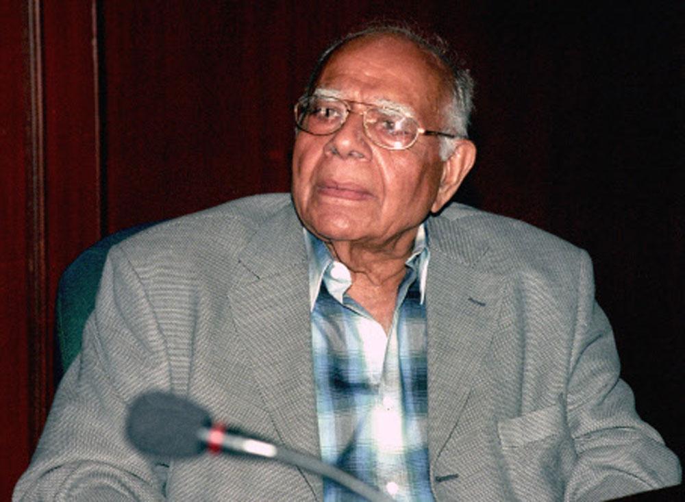Don't destroy or weaken judiciary: Jethmalani to Justice Karnan
