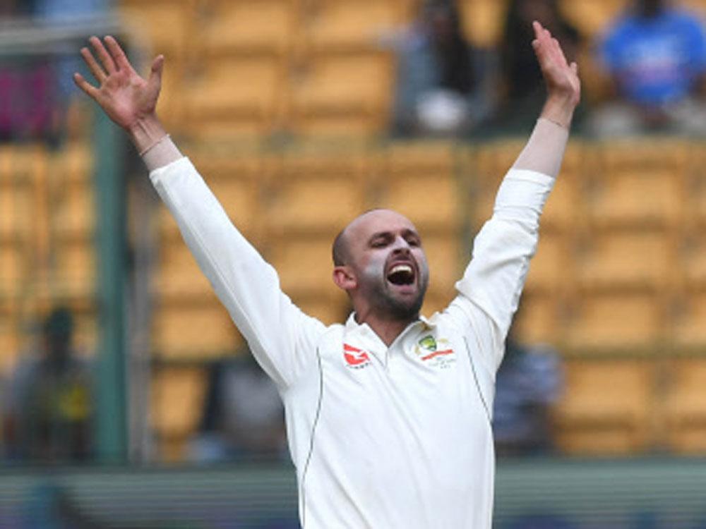 Lyon confident of playing 3rd Test despite finger skin crack
