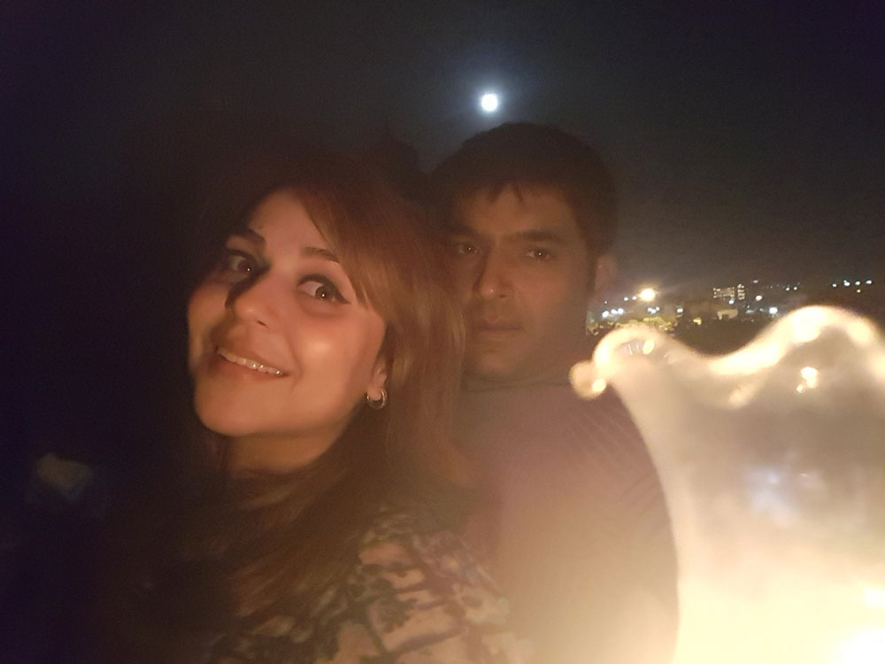 Kapil Sharma introduces girlfriend on Twitter