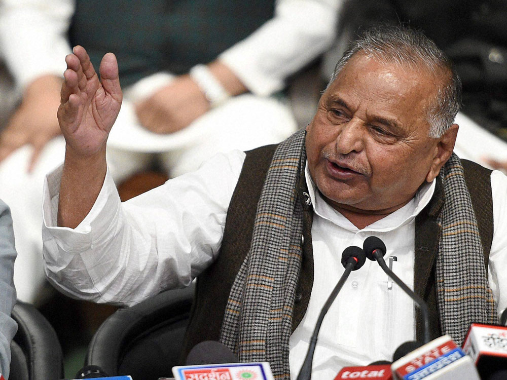 Mulayam, Azam give a miss to SP's national executive meet