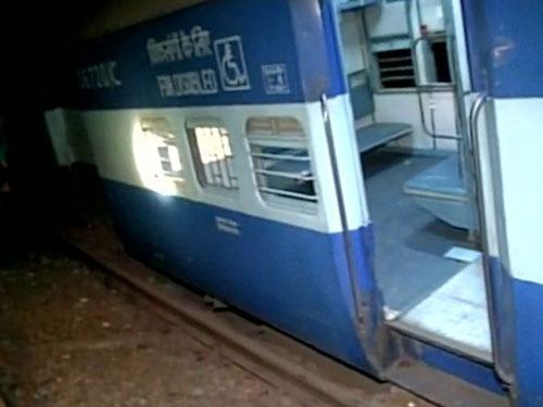 Mahakaushal Express derails, 52 passengers injured