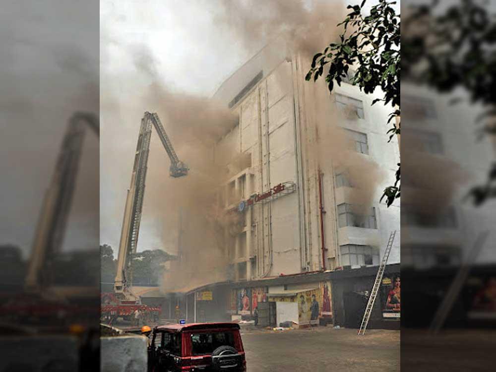 Chennai Silks to be razed down in three days
