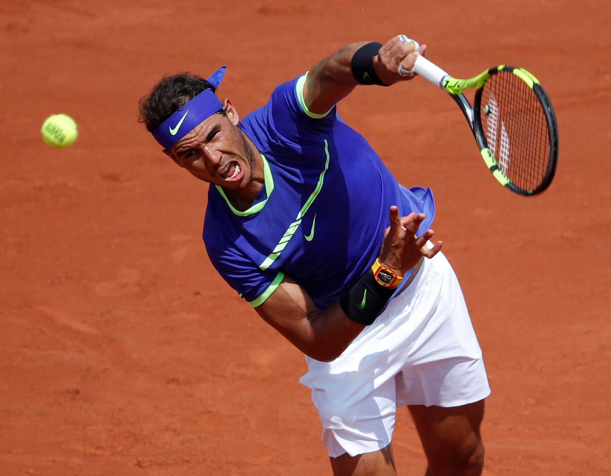 Nadal demolishes Nikoloz
