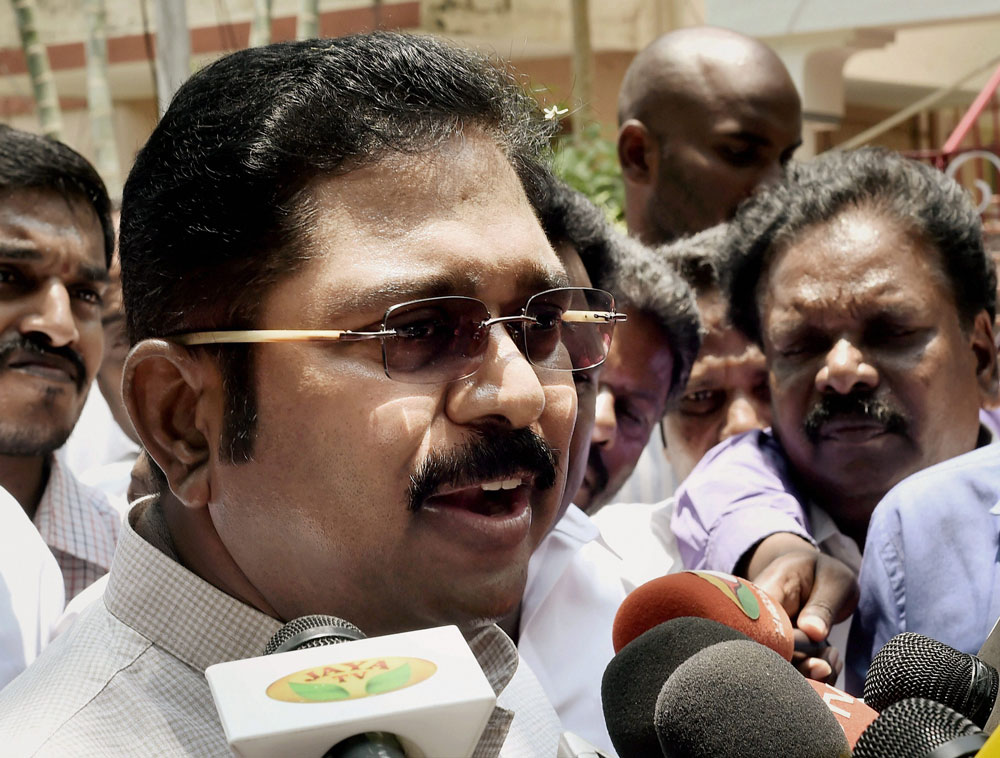 Ministers' revolt was due to fear: Dhinakarn