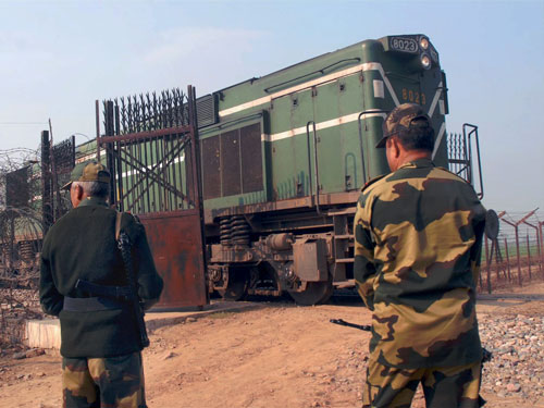 India hands over summonses to Pakistani witnesses on Samjhauta Express case