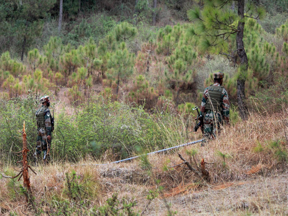 3 militants, soldier killed in LoC encounter