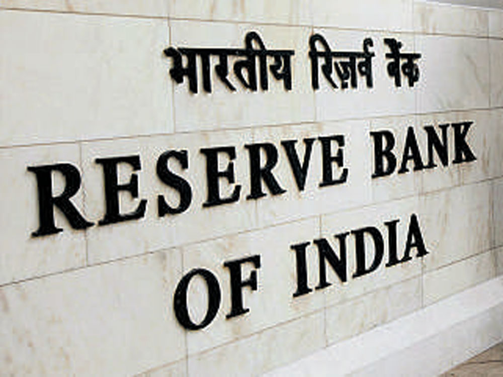 RBI net purchaser of dollar in April; buys USD 566 mn
