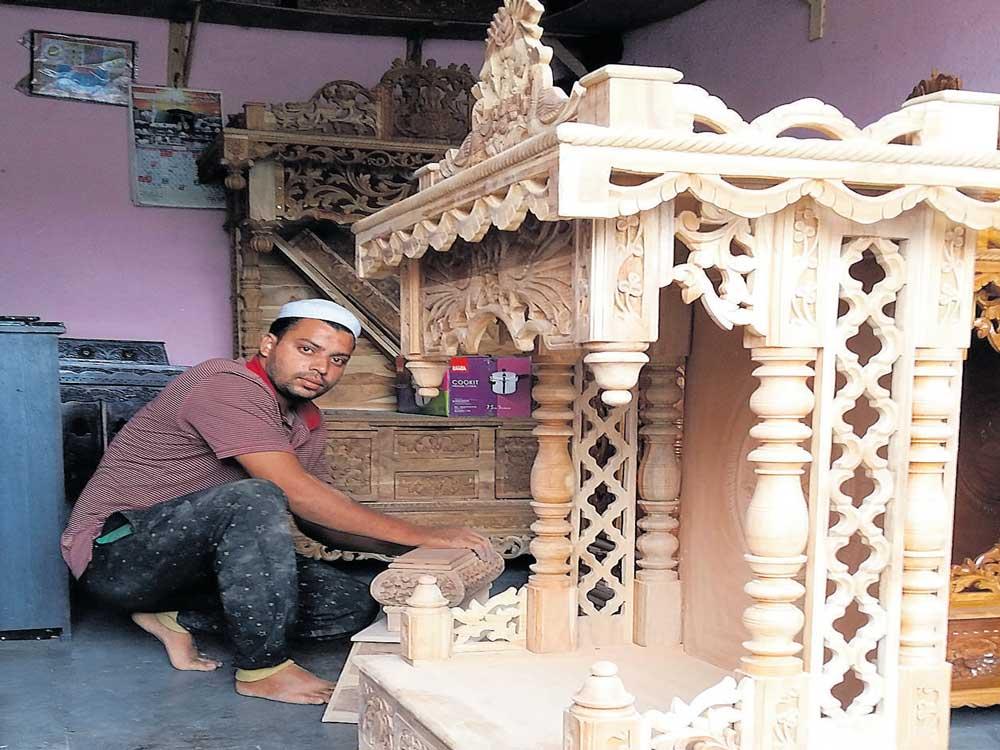 Muslims excel in making mandirs