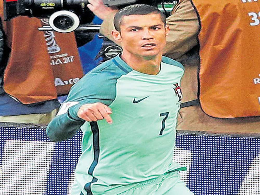 Portugal edge past Russia