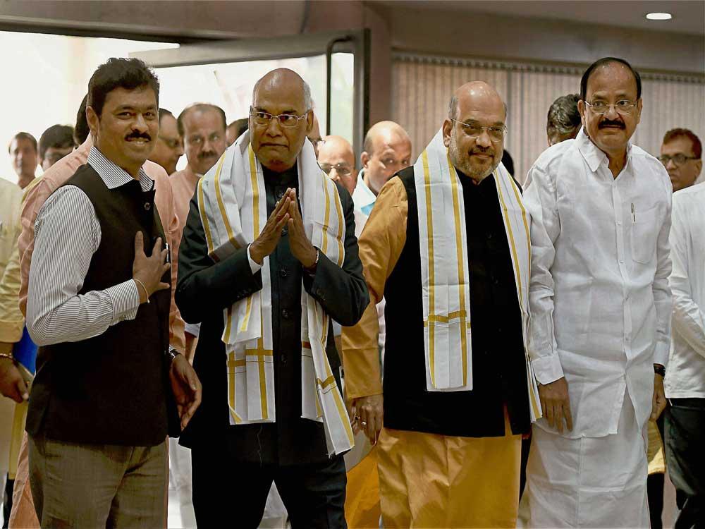 Kovind files nomination in presence of PM, NDA CMs