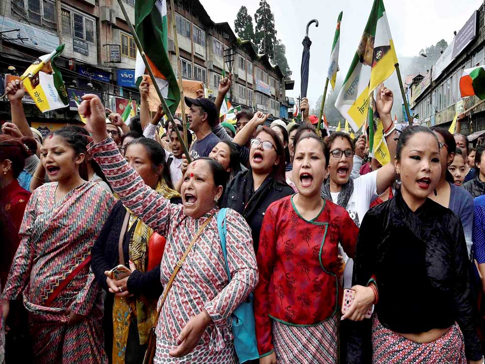 Processions taken out in Darjeeling, shutdown continues