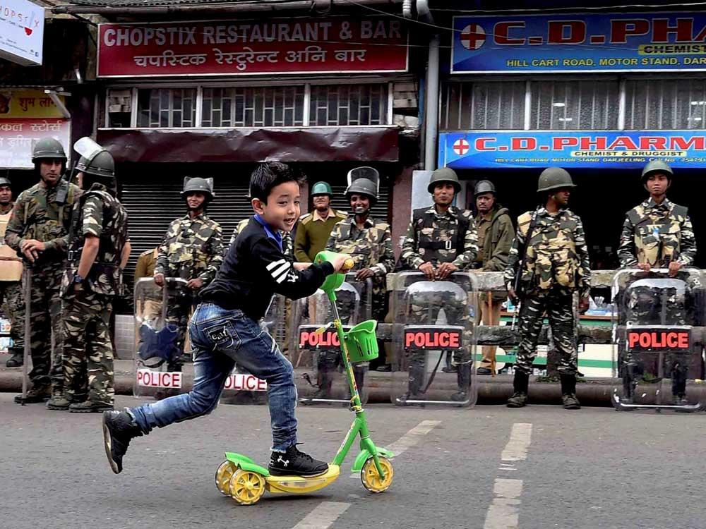 Darjeeling remains incident-free, low-key Eid celebration