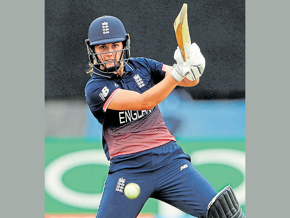 Sciver, Knight spur England to big win