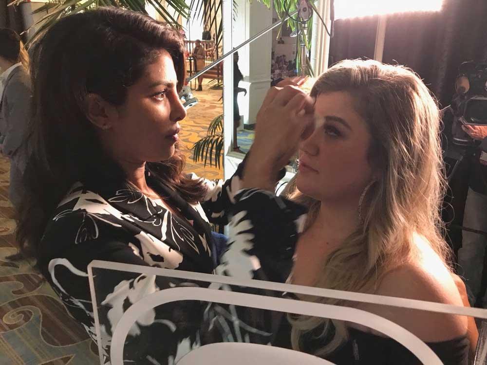 Priyanka Chopra adores Kelly Clarkson for inspiring people