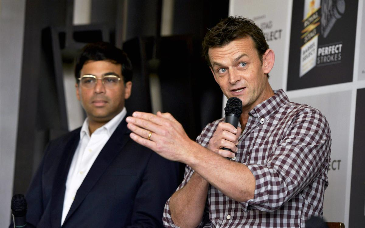 Don't undervalue Dhoni's experience: Gilchrist