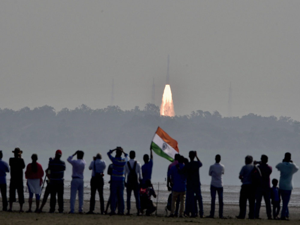 Pvt sector, policy key to lead space quest
