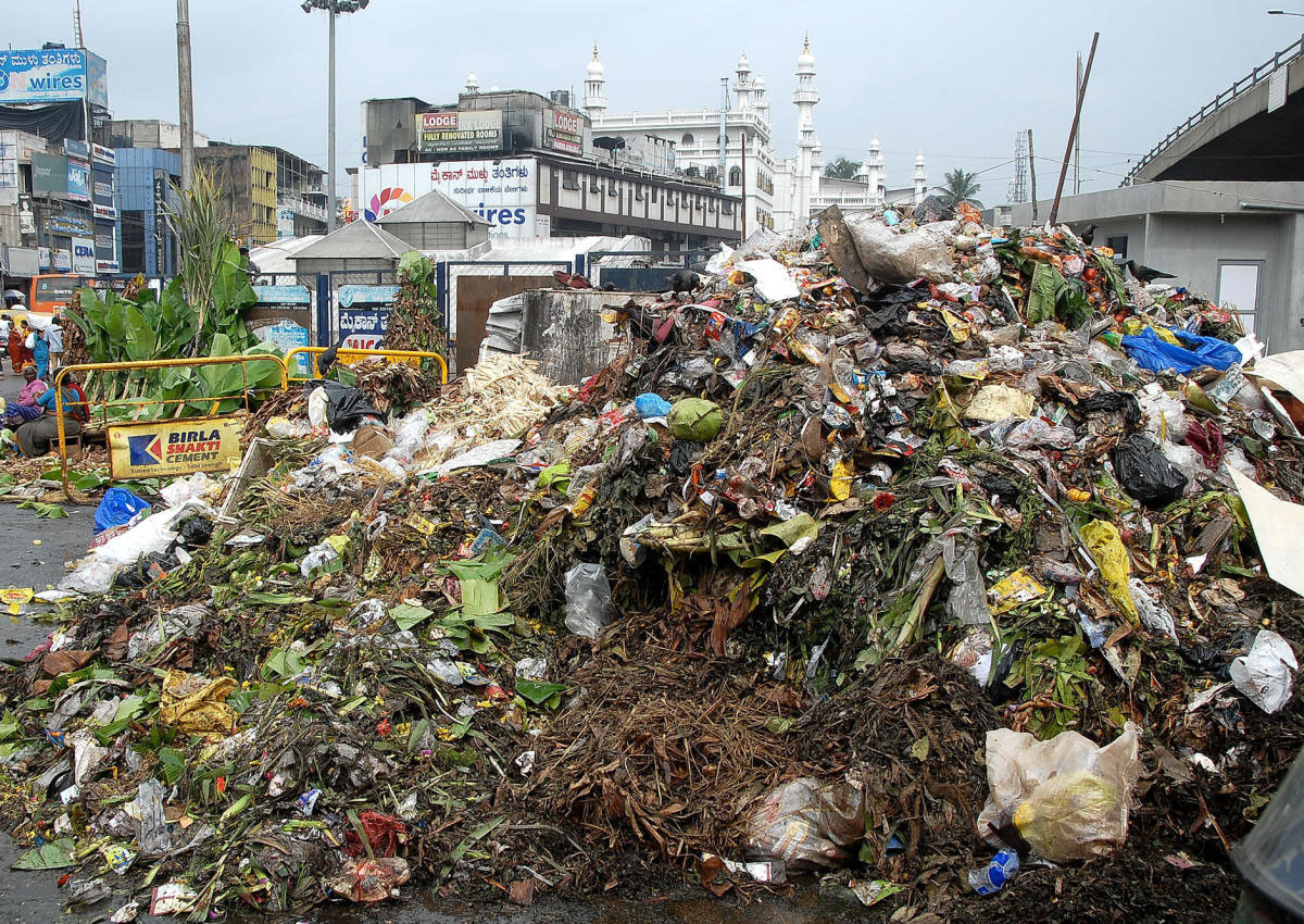Piles of garbage in HRBR Layout