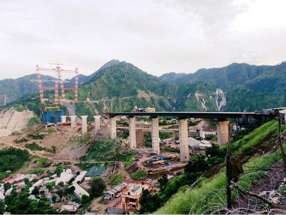 Railways installs main arch on world's highest bridge over Chenab