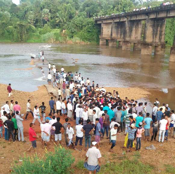 Five feared drowned in River Phalguni