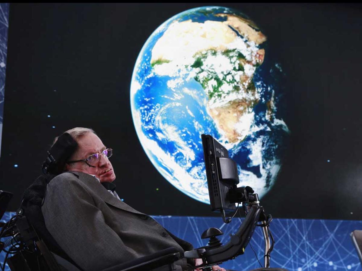 Earth will turn into fireball by 2600: Hawking
