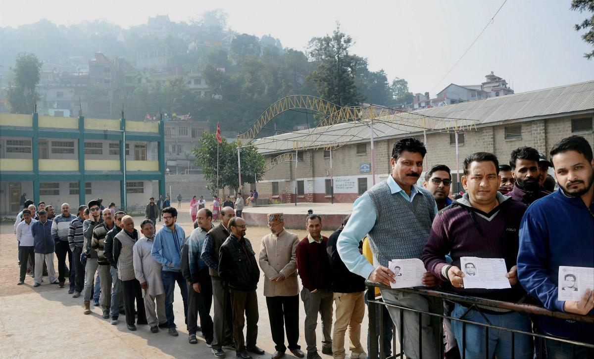 Moderate to heavy polling was recorded in Himachal Pradesh