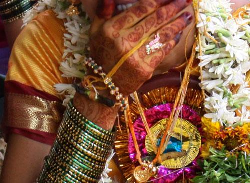Minor girl escapes wedlock with divorcee