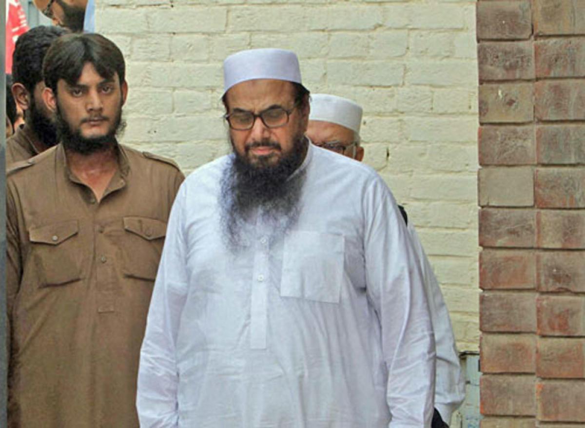 Pak: 4 aides of Mumbai attack mastermind Saeed walk free