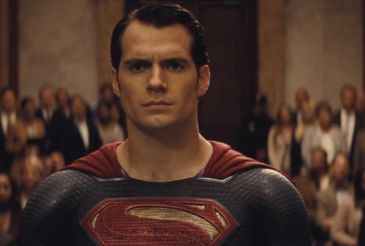 Henry Cavill on how 'Justice League' superheroes are relatable
