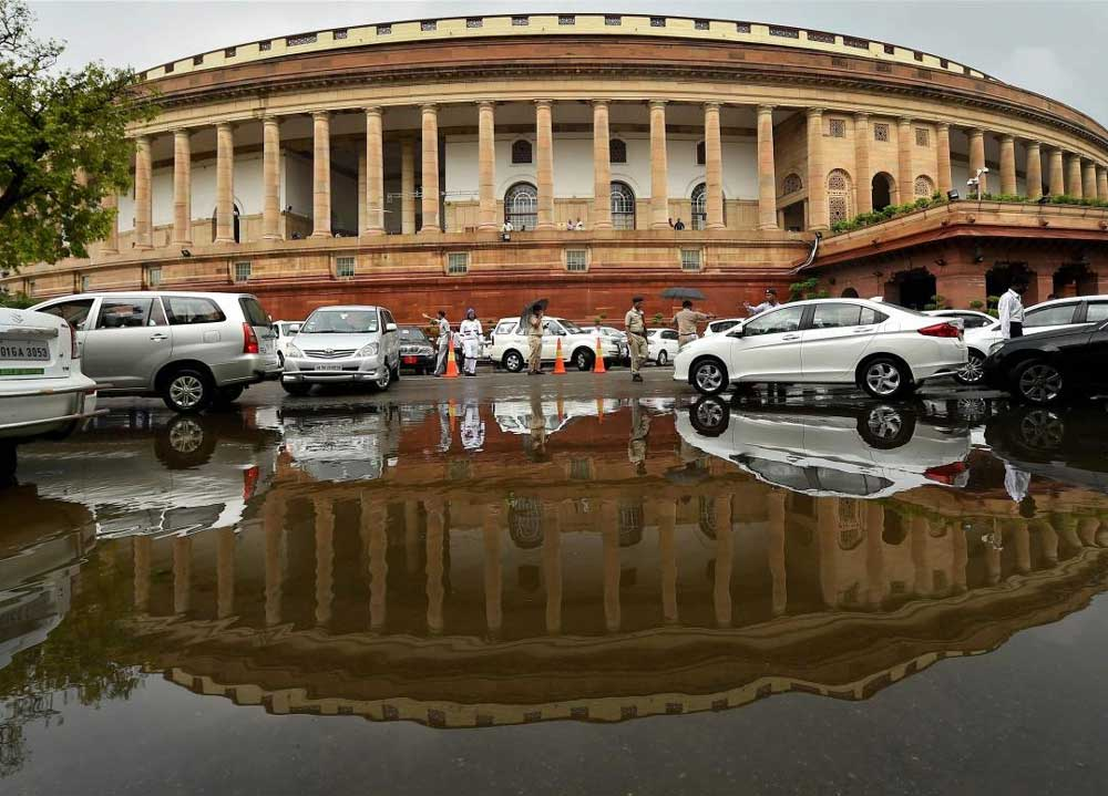 Govt mulls 5-day Winter Session, Cong cries foul