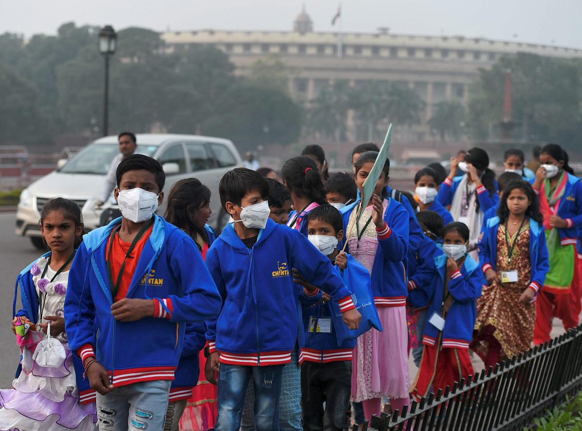 Delhi air a shade better, but emergency measures to stay