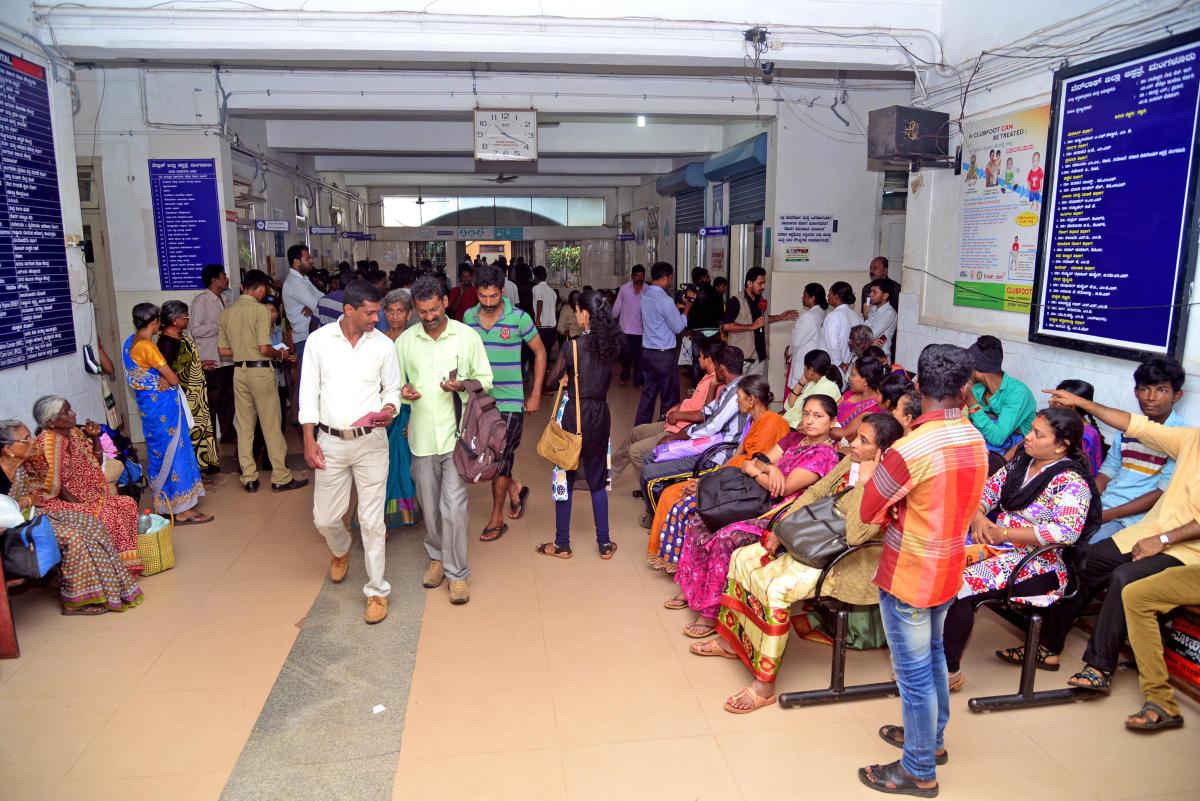 Patients flock Govt hospital after pvt doctors strike work