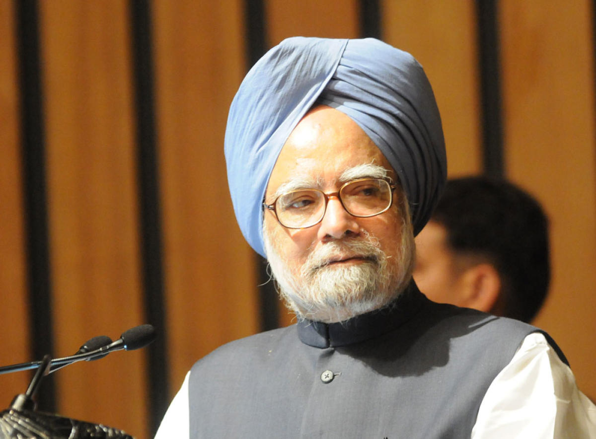 Economy not out of wood despite Moody's rating, says Manmohan Singh