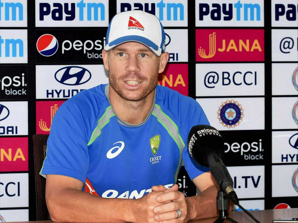 Warner hurts neck but sure of playing in Gabba