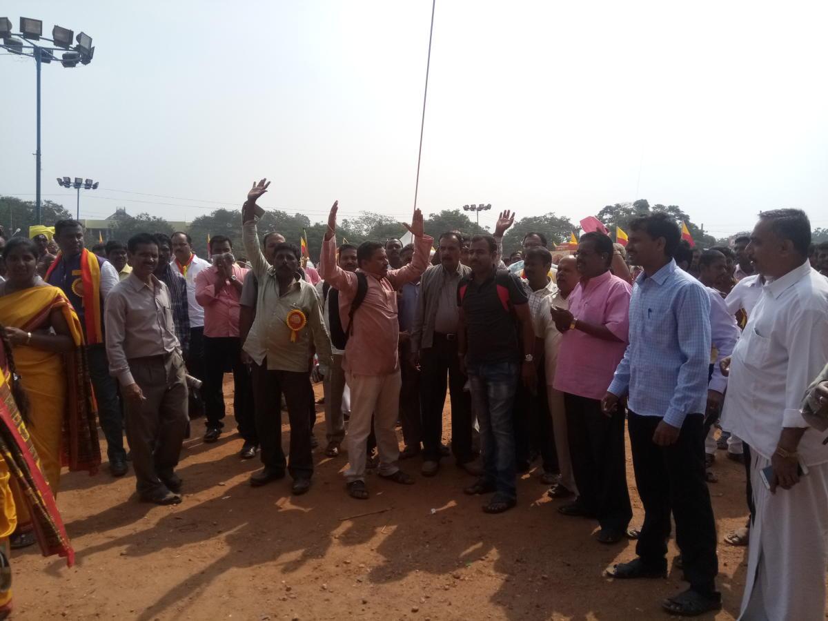 Day 1: Irked over poor arrangements, KSP members protest during litfest