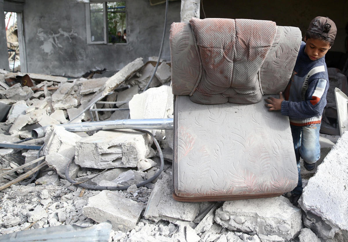UN restarts Syria peace talks but Assad regime absent