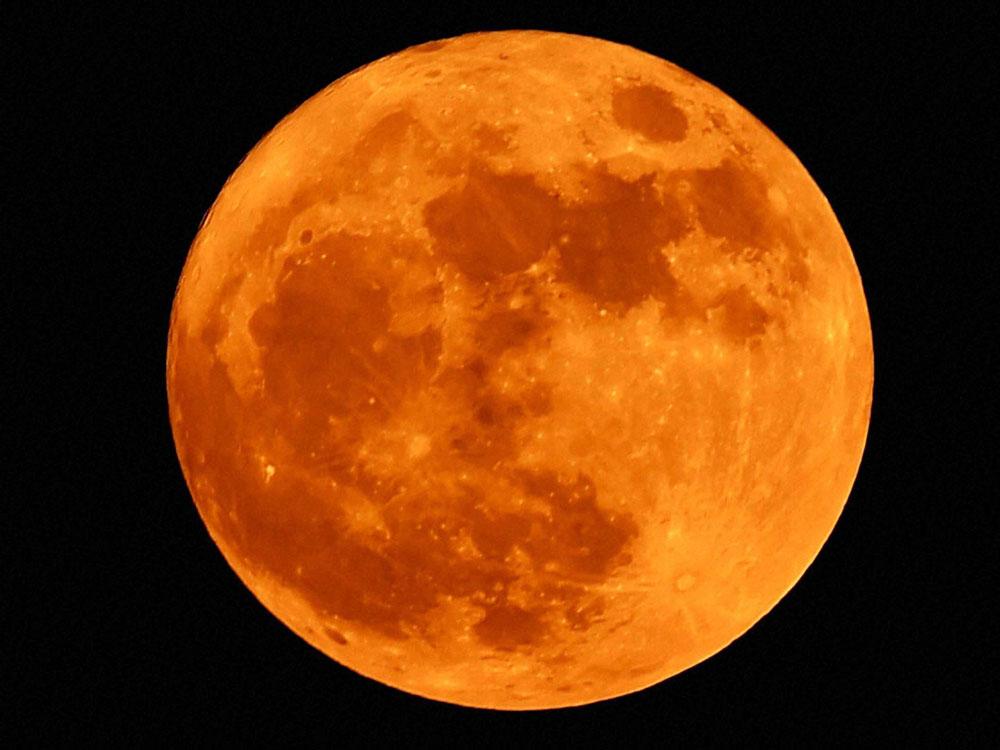 Sky gazers flock Nainital for lunar spectacle