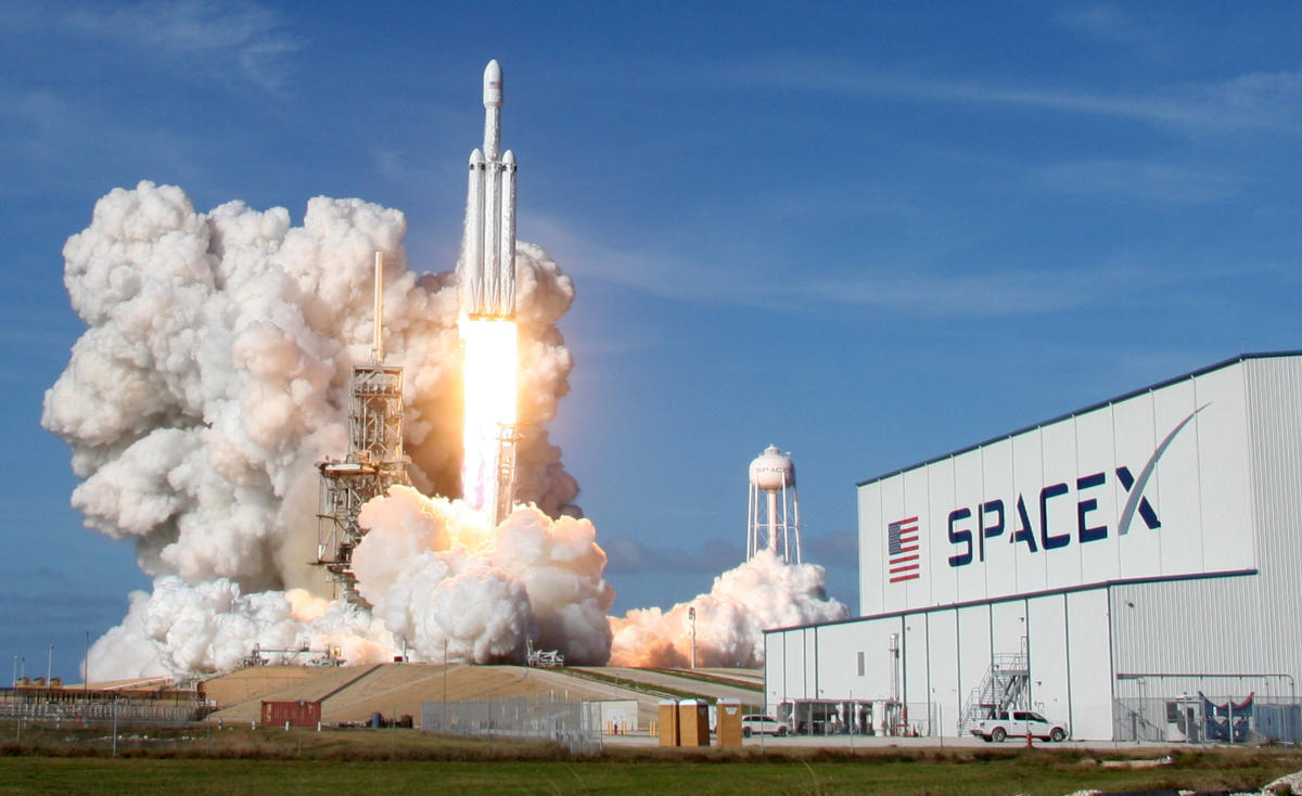 SpaceX launches world's most powerful rocket toward Mars