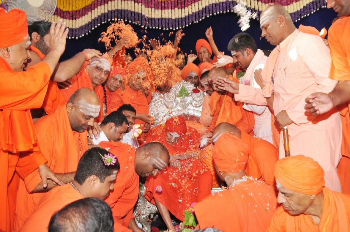 Siddaganga seer turns 111 today: Devotees offer Guruvandana to revered seer