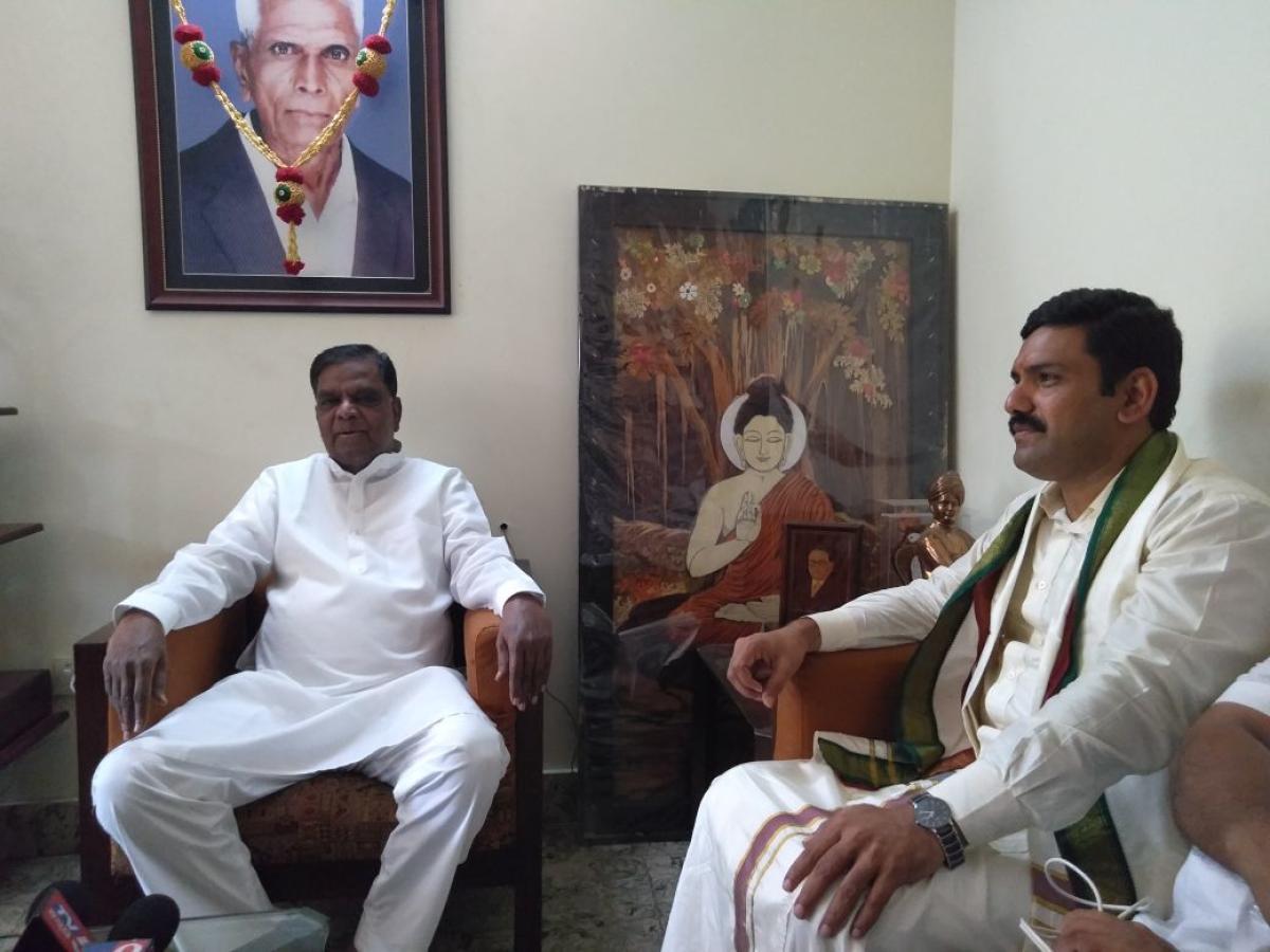 Vijayendra, BJP's prospective candidate from Varuna meets party leaders