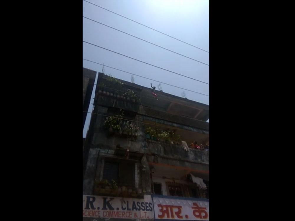 Girl jumps from terrace to escape molestation bid
