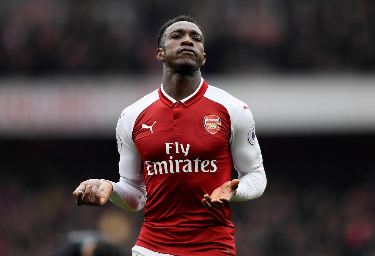 Welbeck's double steers Arsenal