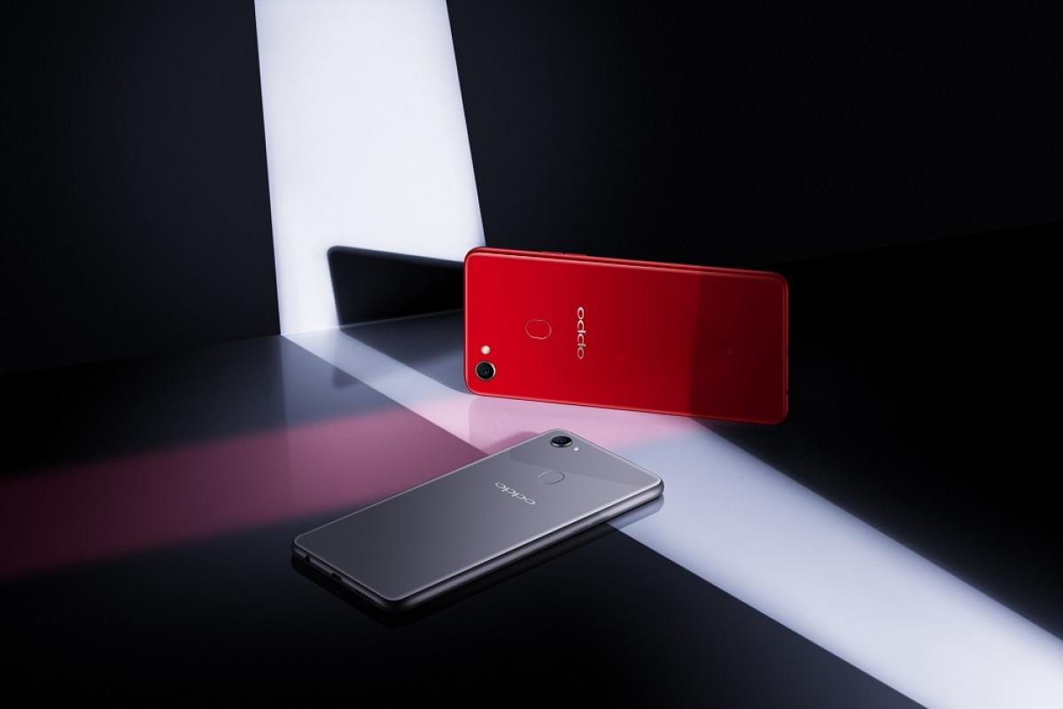 Oppo redefines selfie phone with F7