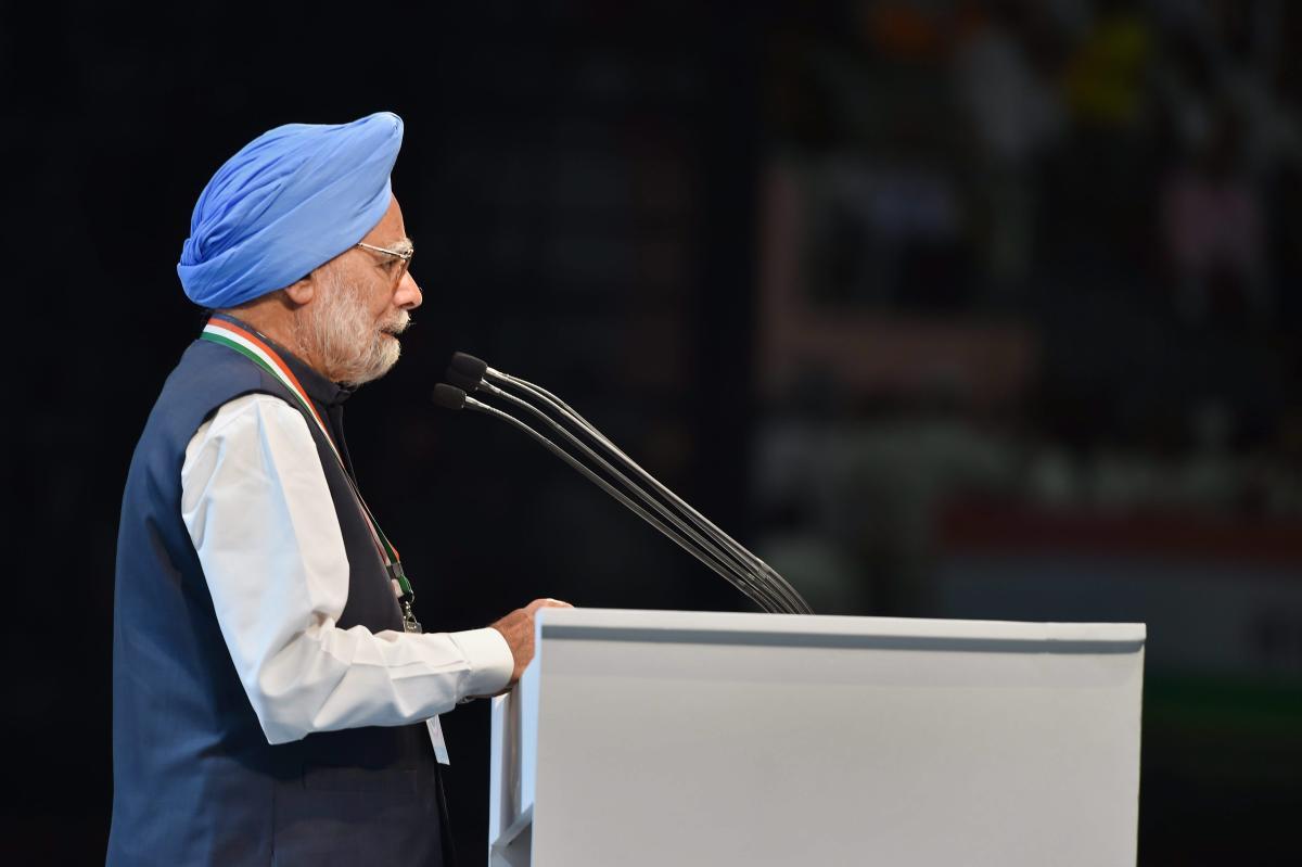 Atrocities against minorities, Dalits increasing: Manmohan Singh