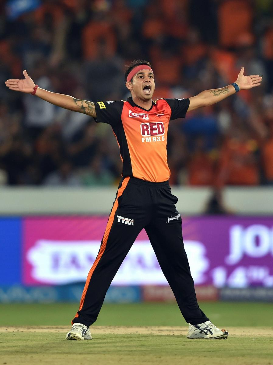 Sunrisers huff and puff past Mumbai