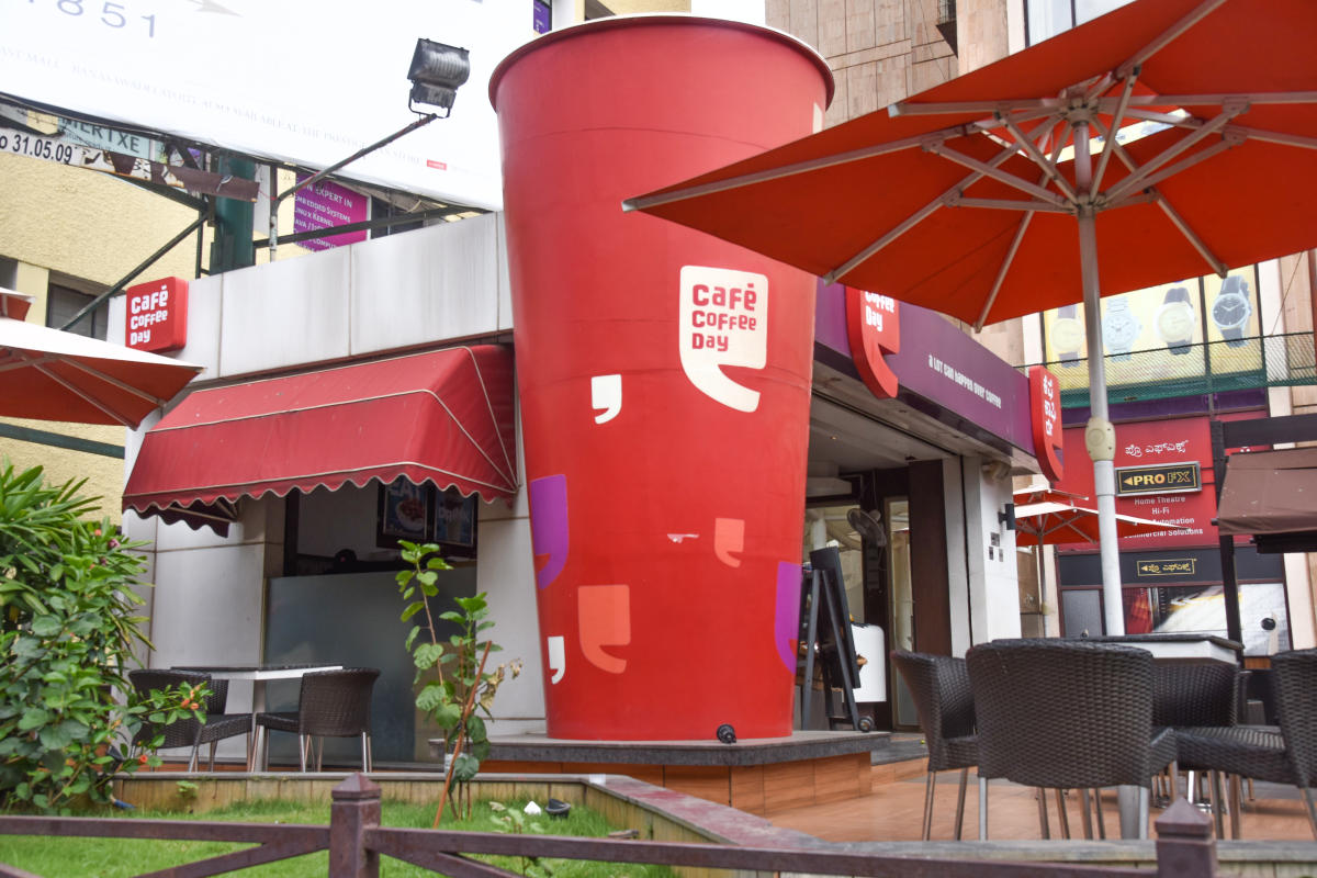 Free Wi-Fi and no time limit makes cafes popular
