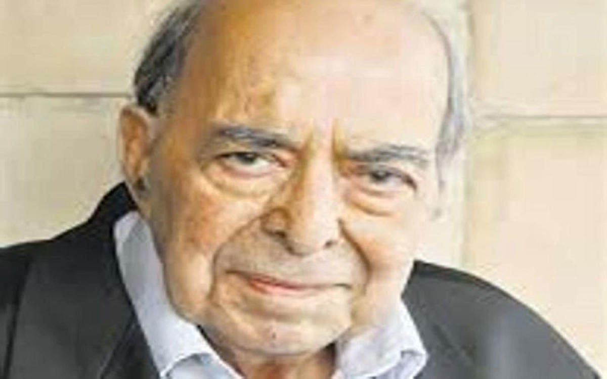 Veteran journalist S Nihal Singh passed away here today following illness, his family members said. Picture courtesy Twitter