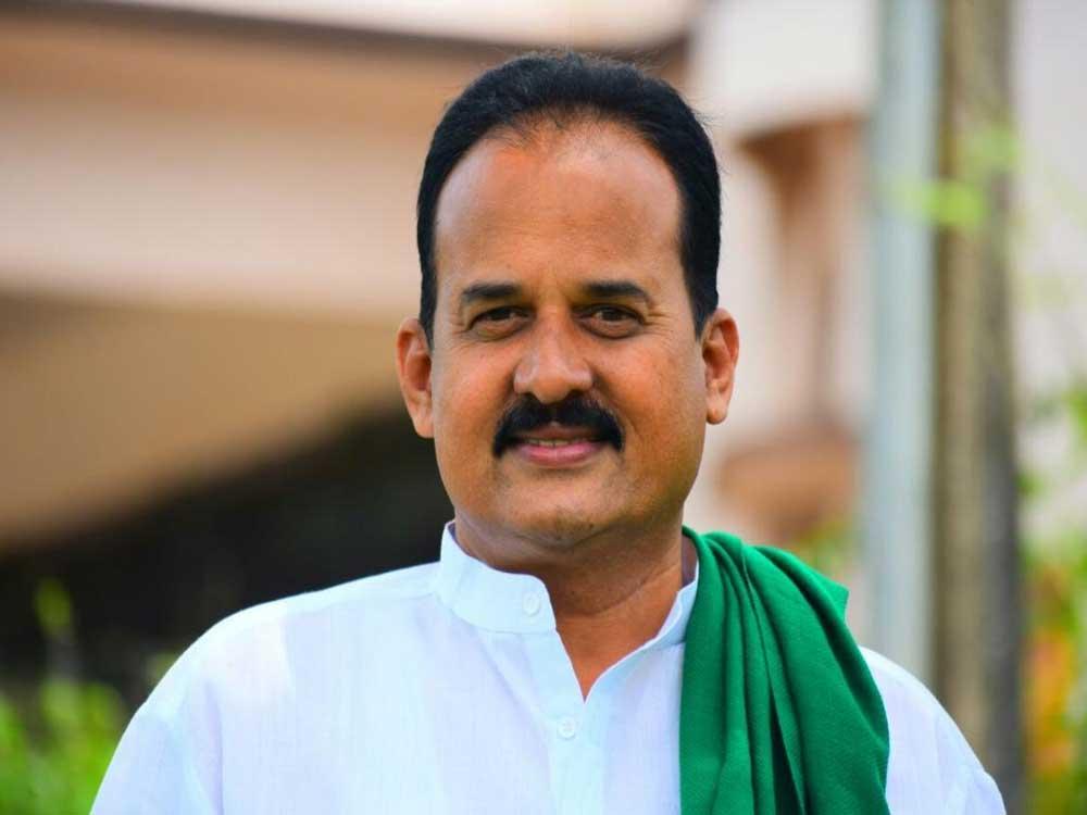 JD(S) candidate for Hubballi-Dharwad Central constituency Rajanna Koravi
