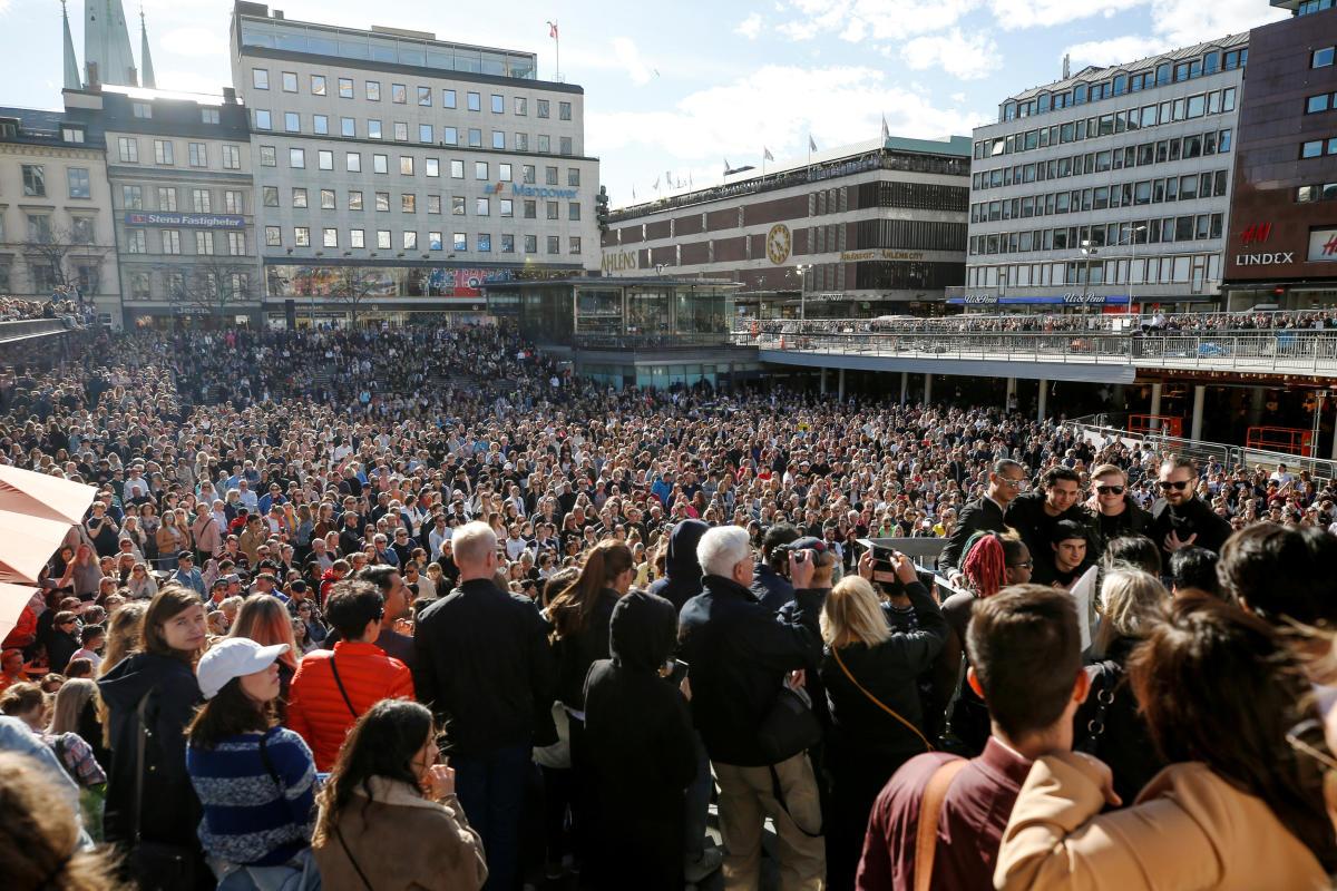 Hundreds of fans of Avicii gather to honour him at Sergels Torg in central Stockholm, Sweden April 21, 2018.